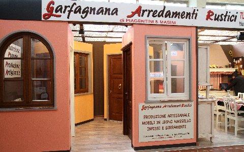 Garfanana arredamenti rustici primo maggio a fornaci di for Garfagnana arredamenti rustici